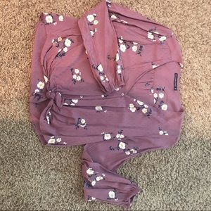 Like new Abercrombie tie front blouse